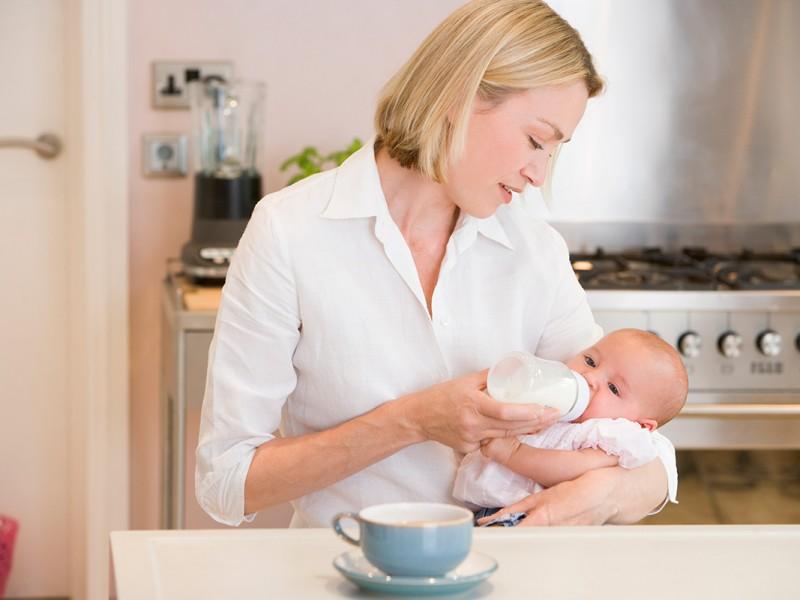 Breastfeeding: Your First Few Weeks