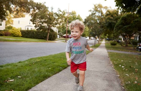 Video: Encouraging Your Child to Stay Away from the Road