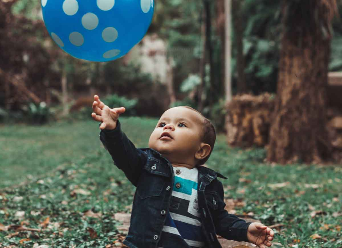 Why your baby doesnt need social skills yet