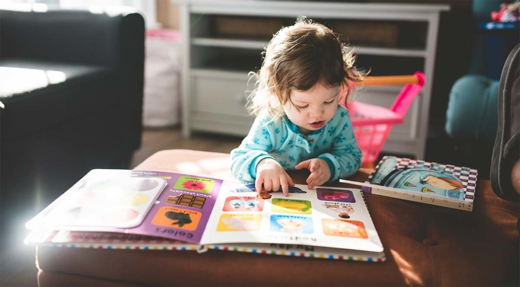 Playing and reading with your toddler
