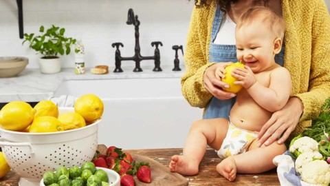 Video: Expert Advice on Starting Solids